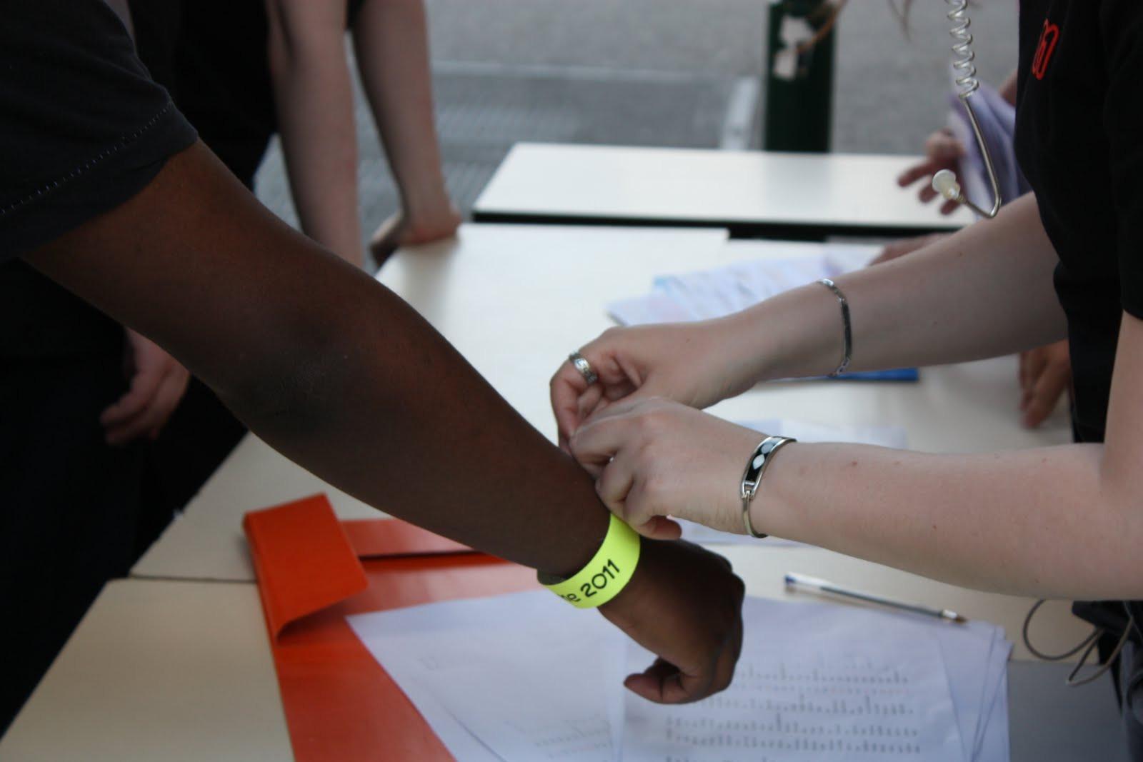 Un bracelet à l'entrée !